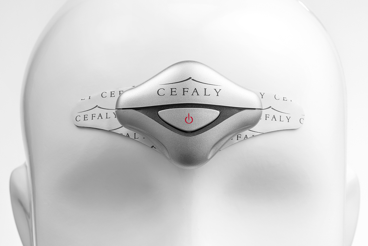cefaly2_US_buste_02_WEB (1)